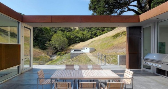 bridge-house-par-stanley-saitowitz-et-natoma-architects