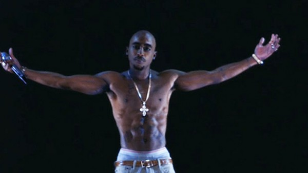 Tupac ressucite en hologramme