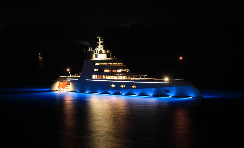 yacht de luxe Starck Product et Feadship